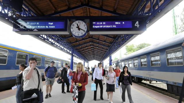 Féláron visznek a vonatok a Múzeumok Éjszakájára