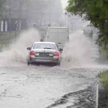 Figyelmeztetések a heves esőzések miatt