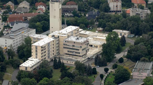 Kórházi dolgozók tették le a cigit Siófokon
