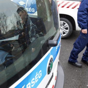 Rendőrkézen a megbízó is