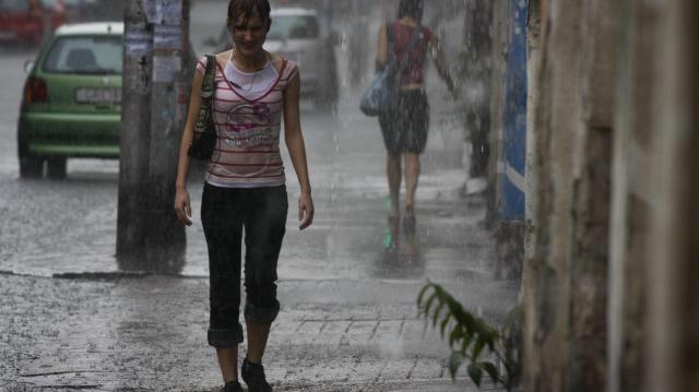 Ismét felhőszakadásra figyelmeztet a meteorológiai szolgálat