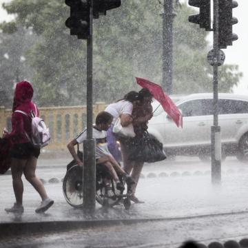 Ismét felhőszakadásokra figyelmeztet a meteorológiai szolgálat