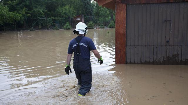 Tokajtól Ózdig rengeteg dolguk volt a tűzoltóknak a tegnapi viharok után