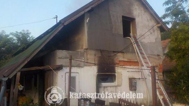 Családi ház gyulladt ki