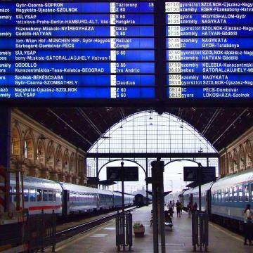 Hétfőtől több vasútvonalon változások lépnek életbe