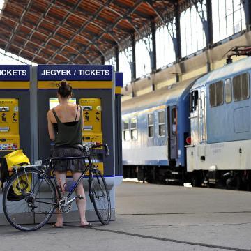 Mentesítő vonatok járnak a fesztiválozókért
