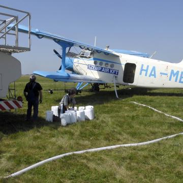 Pajzsot tartottak a katasztrófavédők - lezárult az országos szúnyoggyérítési program