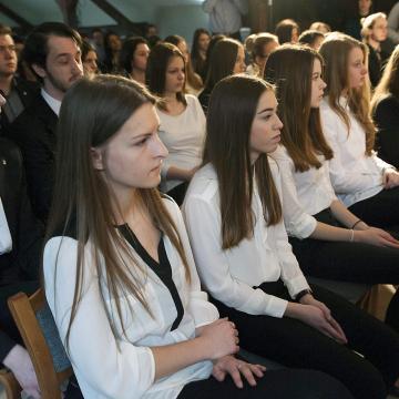 Tehetséges középiskolások jelentkezését várja ingyenes képzéseire a Mathias Corvinus Collegium