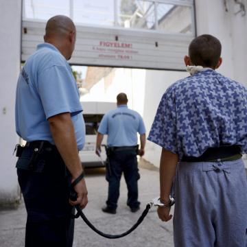 Életfogytiglanra ítéltek egy férfit emberölésért és szexuális erőszakért Debrecenben