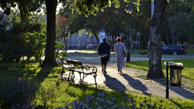 Kezdetben nyárias meleg, majd hidegfront várható az első októberi hétvégén