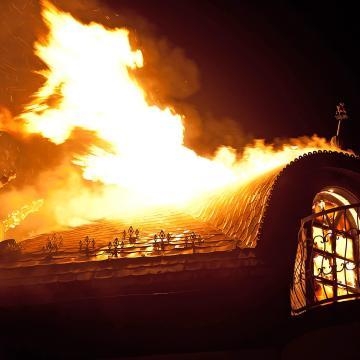 Mindszenten és Szegeden is felcsaptak a lángok
