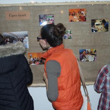 Rendhagyó kiállítás egy rendhagyó programról
