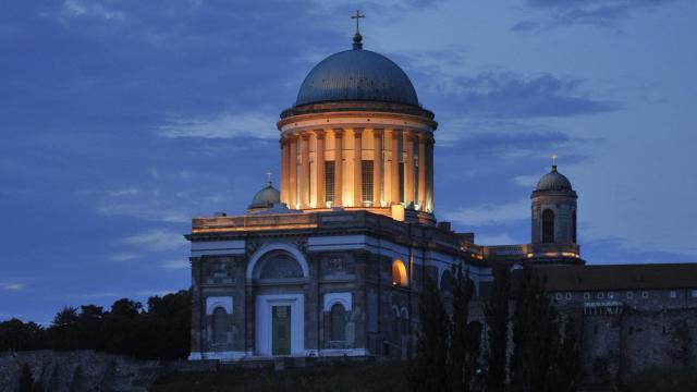 Emléktáblát avattak Esztergomban a magyar-bolgár barátság tiszteletére