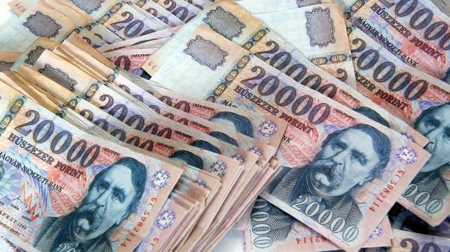 Húszmilliárd forinttal nőtt a magánszemélyek jövedelme megyében