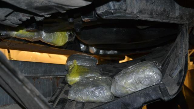 Több mint harminc kiló marihuánát találtak egy autóban Röszkén