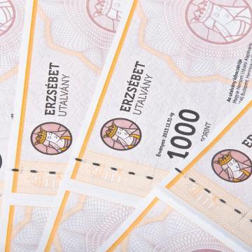 Nem kell adóbevallást készíteni a nyugdíjasoknak járó Erzsébet utalványok után