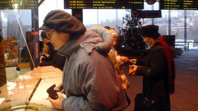 MÁV: december közepétől szünetel a mobilos jegyvásárlás
