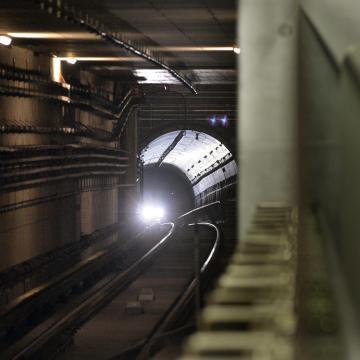 A metrósíneken gyalog akart eljutni a Keletiből a Stadionok megállóba