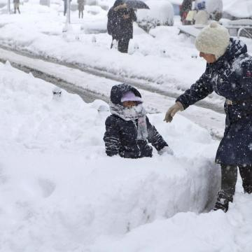 Néhol 10-20 centi hó is hullhat a hétvégén