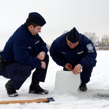 Óvatosan a szabadvizek jegén