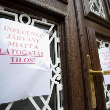 Tovább bővült a látogatási tilalmat elrendelő kórházak köre