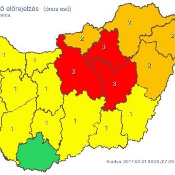 Továbbra is másod- és harmadfokú riasztások vannak érvényben ónos eső miatt