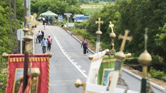 Megszűnhet a sorbanállás - Tíz új határátkelőt nyitnak Románia felé