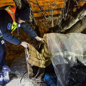 Rendőrök találták meg az elkószált 88 éves férfit