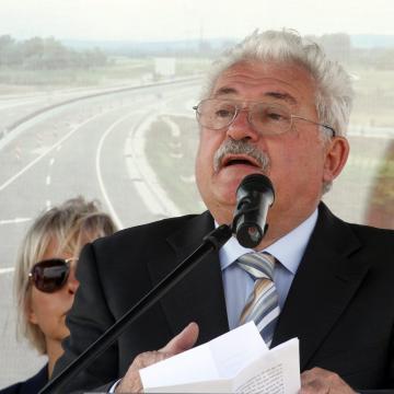 Fónagy: jelentős mértékben fejlesztik az úthálózatot, Miskolcon Y híd is lesz