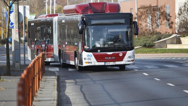 Mintegy 2,5 milliárd forintból újulnak meg a kaposvári utak