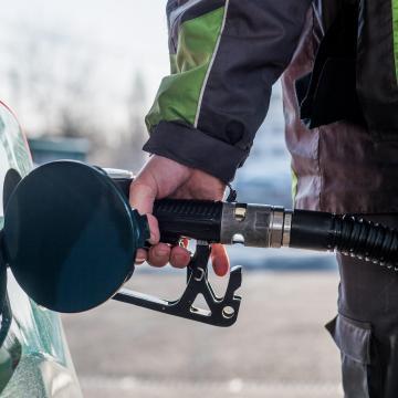 Mol: a jövedéki adó csökkenésével áprilistól olcsóbbak lesznek az üzemanyagok