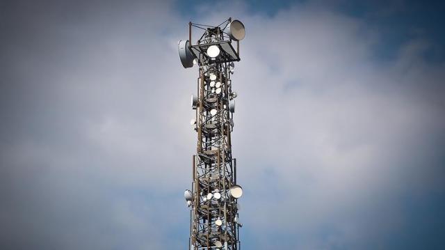 Negyedmilliárdos támogatást kapnak a helyi rádiók, körzeti médiaszolgáltatók