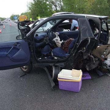 Kilenc balesetben kilencen haltak meg a hosszú hétvégén