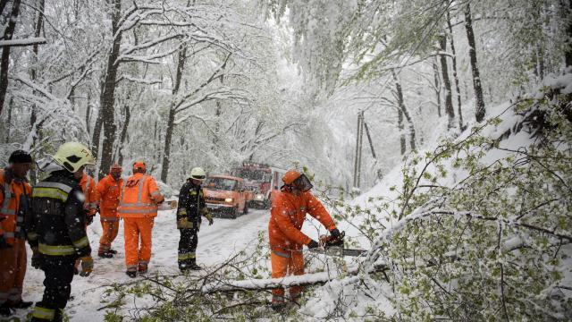 Időjárás - Viharos szélre és hófúvásra figyelmeztetnek