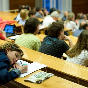 Megkezdődött a szeptemberi felsőoktatási képzések e-ügyintézési időszaka