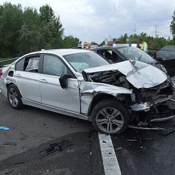 Négyen haltak meg és sokan megsérültek az utakon a hétvégén