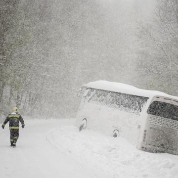 Viharos szélre és hófúvásra figyelmeztetnek