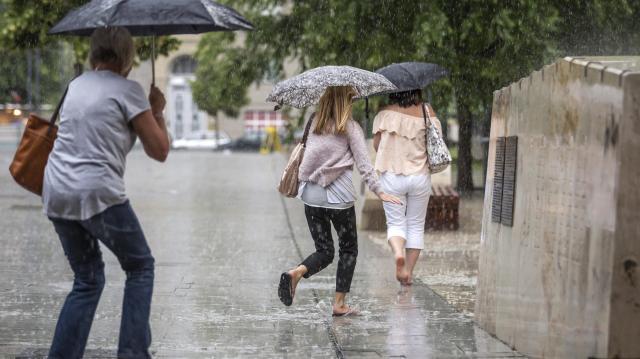 Felhőszakadásra figyelmeztetnek az ország nagy részén