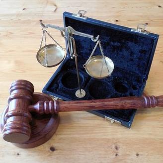Tizenkét baranyai társaság alkotta a csaló cégláncot