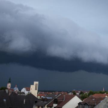 Az ország nagy részén várható felhőszakadás