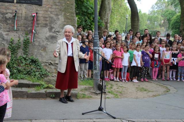 Versben, dalban is megidézték Balassit a diákok