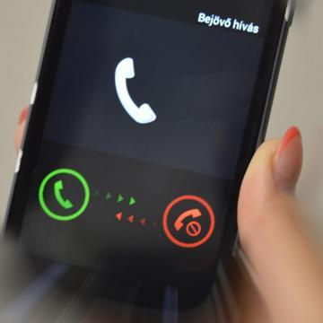 Június közepétől az EU-n belül megszűnik a roamingfelár