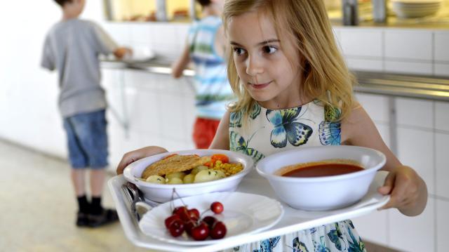 Emmi: a nyári szünetben is meleg ételhez juthatnak a hátrányos helyzetű családok gyermekei