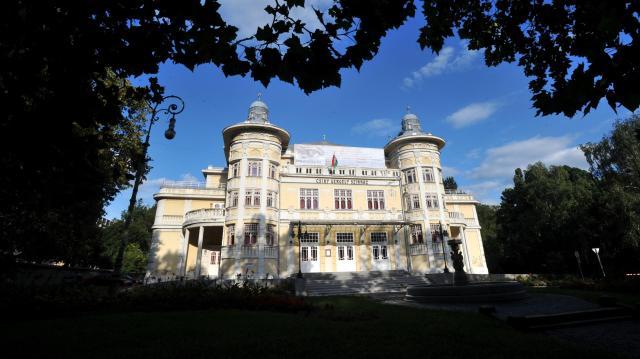 Jól halad a Csiky Gergely Színház rekonstrukciója