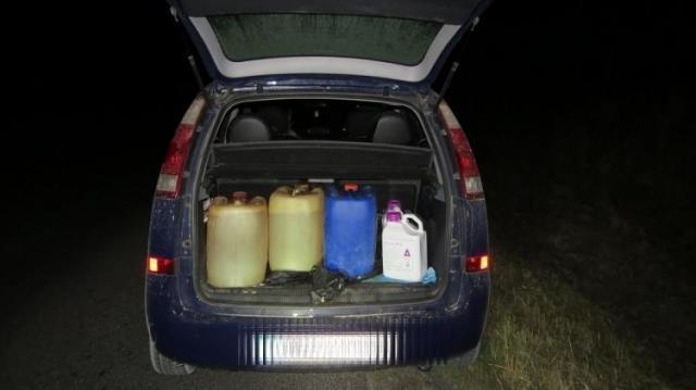 Gázolajat és rovarirtószert loptak