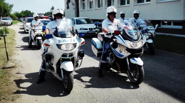 Razziáztak Hajdú-Bihar megye útjain a motoros rendőrök
