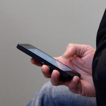 Péntekig egyeztethetik adataikat a feltöltőkártyás mobilelőfizetők