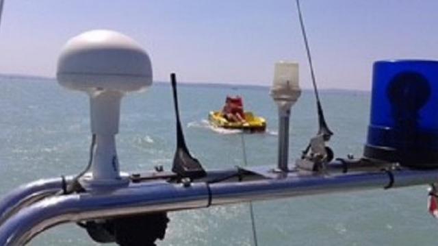 Vízibicklivel sodródtak a Balatonon