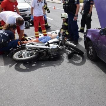 A motorosok vesztettek az autókkal szemben