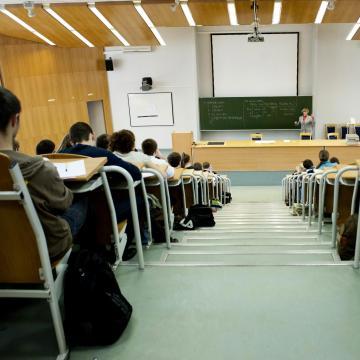 Július 12-ig pótolhatják a hiányzó dokumentumokat a felsőoktatásba jelentkezők